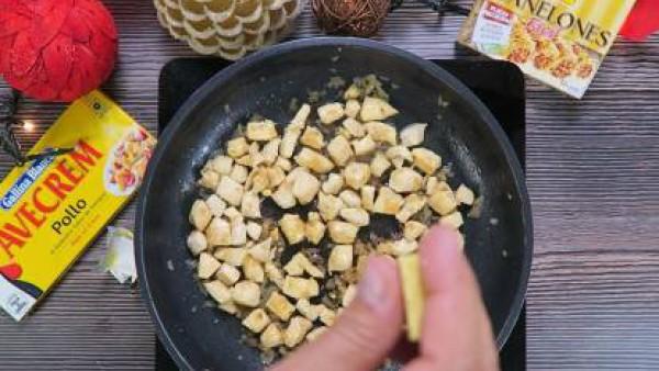 Cómo preparar Canelones de pollo - Paso 2
