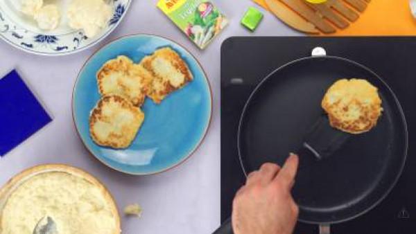 Tercer paso Tortitas de coliflor