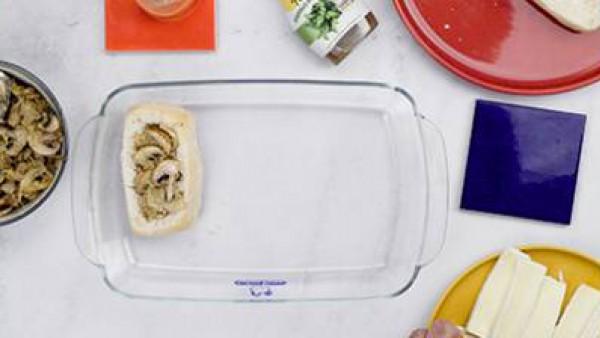 Paso dos pan relleno de camembert con verduras