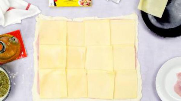 Primer paso hojaldre de jamon y queso