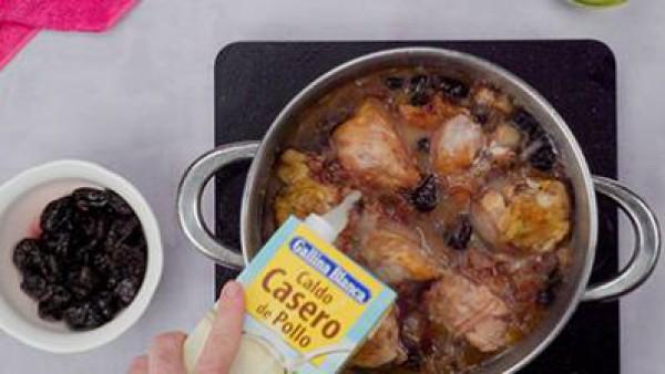 pollo en salsa de ciruelas paso 3