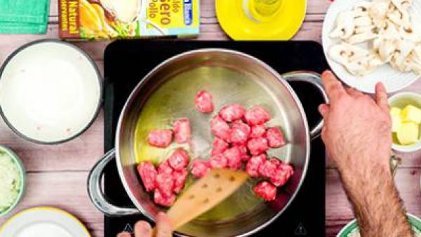 Primer paso risotto de salchichas