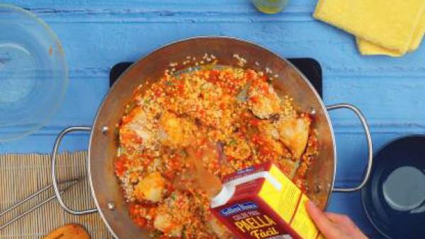 Tercer paso paella de pollo y conejo