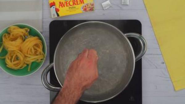 Primer paso pasta con salsa alfredo