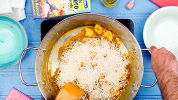 Segundo paso arroz con pulpo