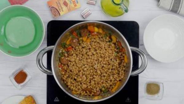 Segundo paso Lentejas con verduras y chorizo