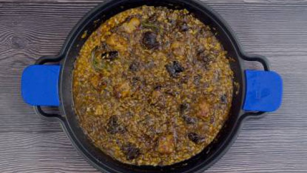 Tercer paso arroz costilla butifarra
