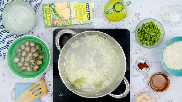 Primer paso arroz con almejas y gambas