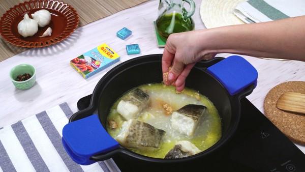 Segundo paso bacalao en salsa verde