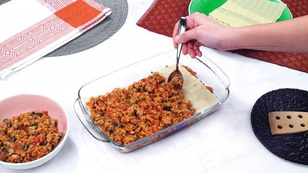 Tercer paso lasaña con berenjenas y carne picada
