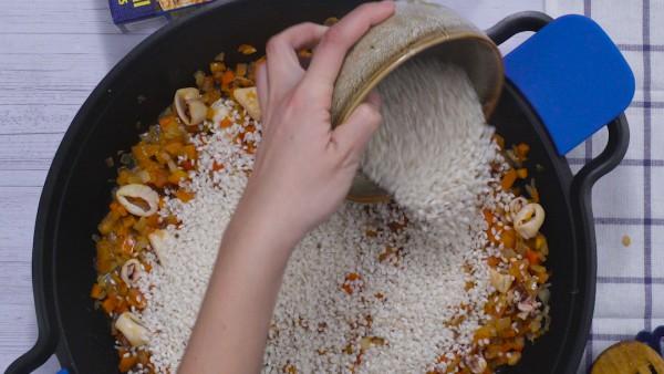 Segundo paso arroz con pollo y marisco