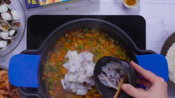 Primer paso arroz caldoso con marisco