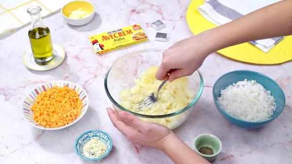 Primer paso pastel de patata y carne picada