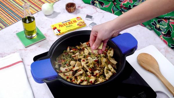 Primer paso hojaldre relleno de pollo con verduras