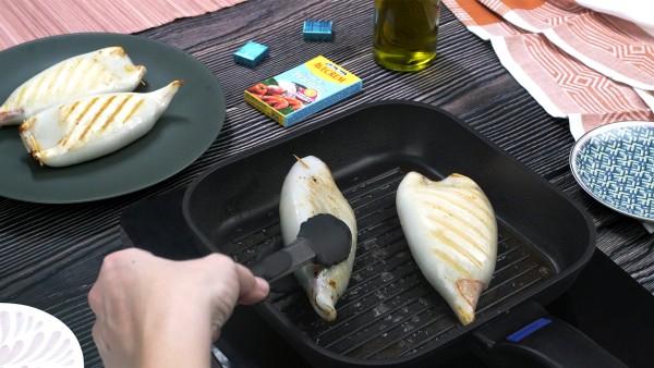 Tercer paso calamares rellenos de marisco a la plancha