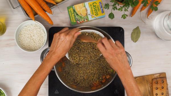 Lentejas con verduras y arroz paso 2