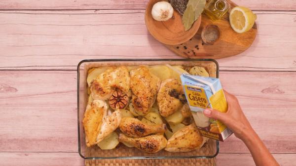 Pollo al horno con patatas y cebolla paso 3