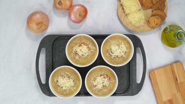 Sopa de cebolla con queso Paso 3