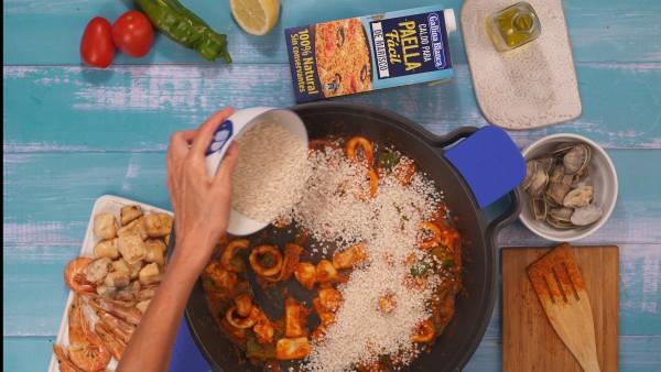 Segundo paso arroz con pescado y marisco