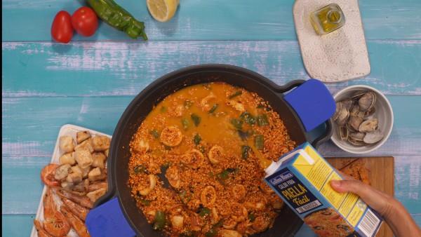 Tercer paso arroz con pescado y marisco