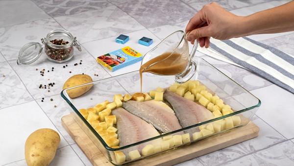 Lubina al horno con patatas Paso 3