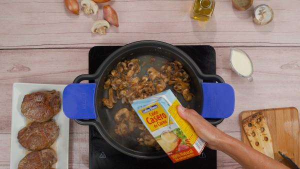 Solomillo en salsa de champiñones Paso 2