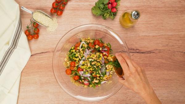 Tercer-paso-ensalada-de-quinoa-con-garbanzos