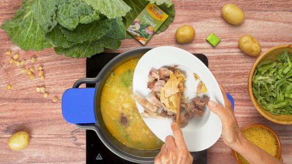 Tercer paso sopa de cocido gallego