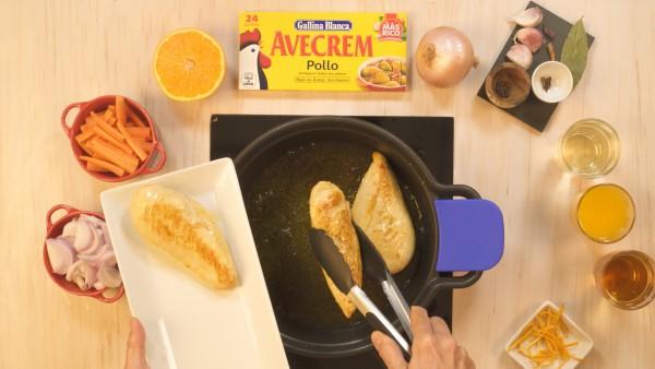 Paso 1 pechugas de pollo en escabeche