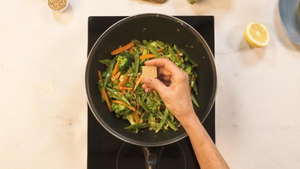 Paso 2 wok de verduras y cigalas