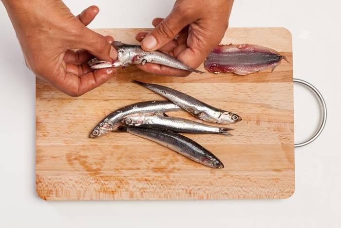 Limpia las anchoas correctamente